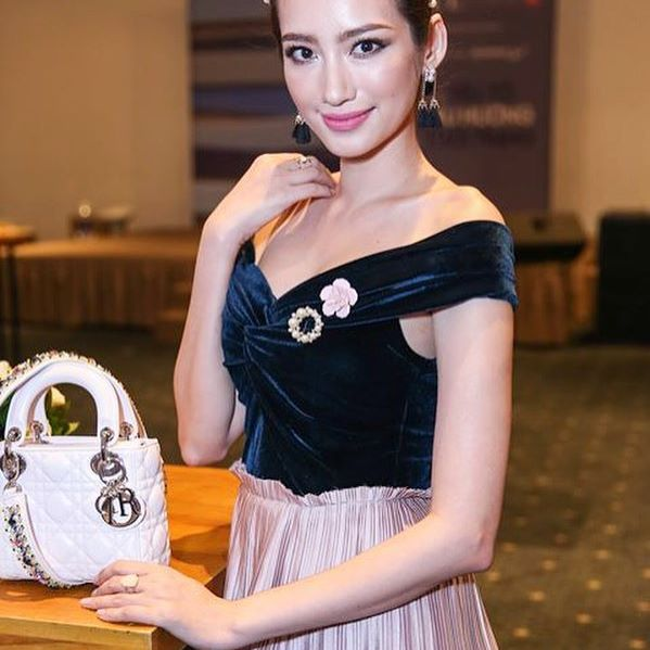 """""""Đột nhập"""" tủ đồ hiệu xa xỉ của Hoa hậu Trúc Diễm - 7"""