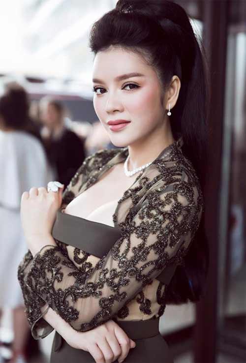 Váy áo khiến mỹ nữ Việt bị hiểu nhầm hở hang - 5