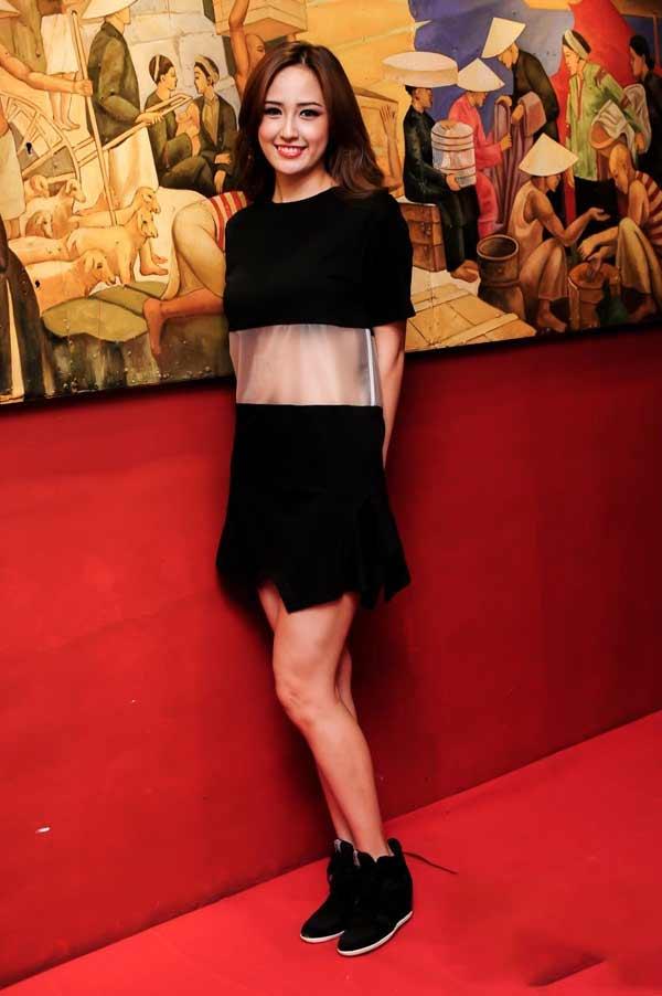 Váy áo khiến mỹ nữ Việt bị hiểu nhầm hở hang - 13