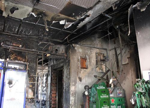 """Xem """"lô cốt tử thần"""" sau vụ 13 người chết cháy trong quán karaoke - 7"""