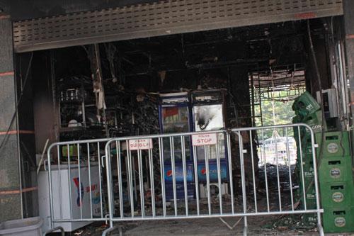 """Xem """"lô cốt tử thần"""" sau vụ 13 người chết cháy trong quán karaoke - 6"""