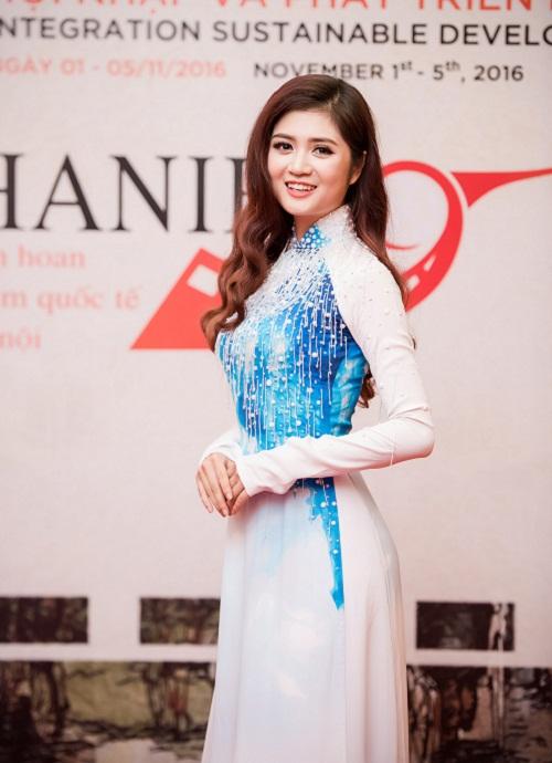 """Hoa hậu Mỹ Linh tươi rói khi Mr Đàm, Isaac """"ôm eo"""" - 7"""