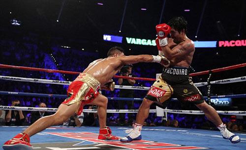 Pacquiao–Vargas: Giành đai, hẹn tái đấu Mayweather - 6