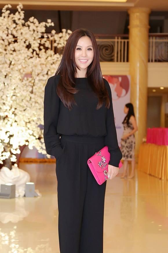 """Choáng váng ngắm """"núi"""" hàng hiệu của Hoa hậu Thu Hoài - 3"""