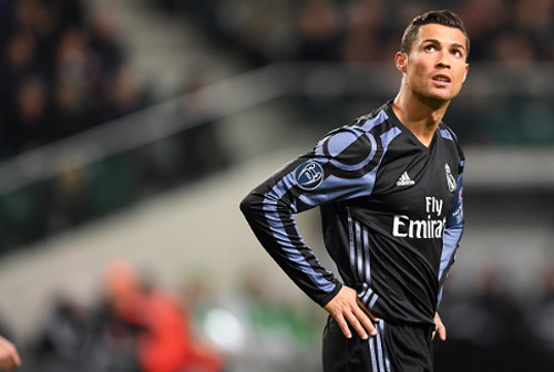 Giữ Ronaldo tới năm 36 tuổi, Real có hối hận? - 2
