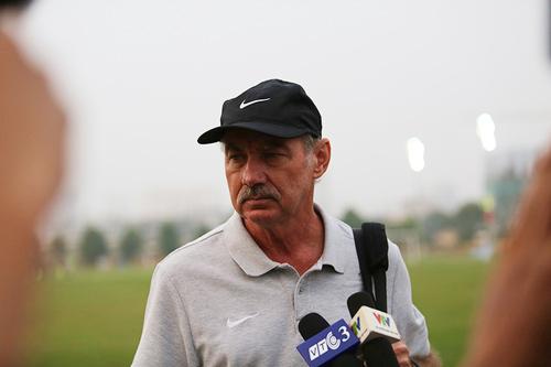 HLV Alfred Riedl bình luận về ĐT Việt Nam trước AFF Cup - 1