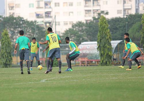 HLV Alfred Riedl bình luận về ĐT Việt Nam trước AFF Cup - 4