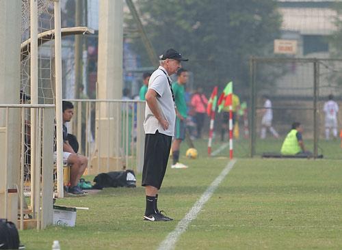 HLV Alfred Riedl bình luận về ĐT Việt Nam trước AFF Cup - 7