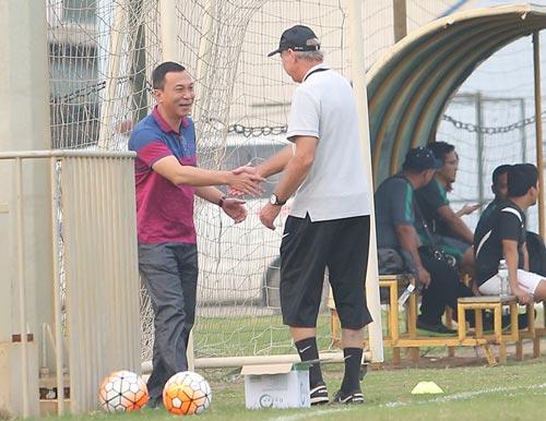HLV Alfred Riedl bình luận về ĐT Việt Nam trước AFF Cup - 9