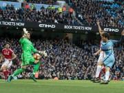 """Bóng đá - Rách đùi, Valdes vẫn """"bay lượn"""" khó tin trước Man City"""