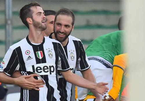 Chievo – Juventus: Đá phạt thần sầu - 1