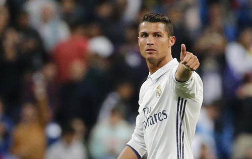 Real Madrid: Ronaldo hợp đồng mới, phong độ cũ - 3