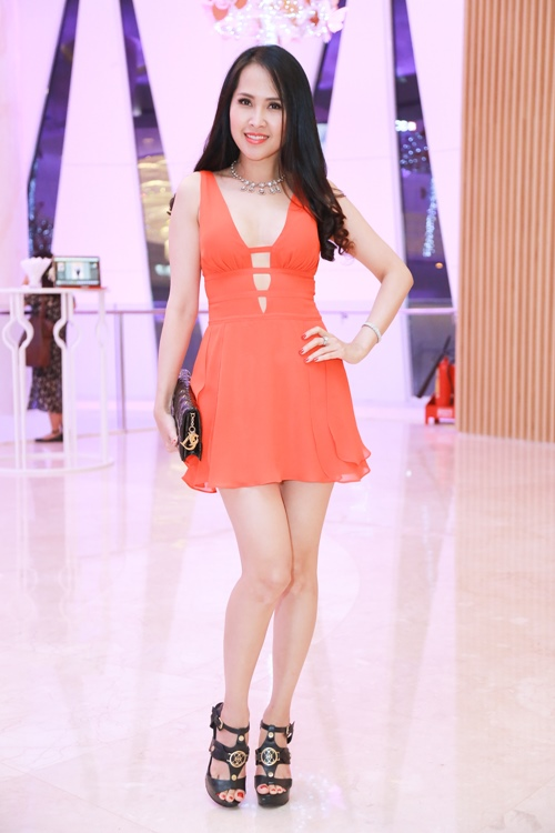 Trương Ngọc Ánh, Minh Thư quá trẻ đẹp so với tuổi 40 - 3
