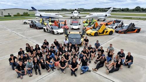 Gia Lai Team khoe dàn siêu xe Lamborghini khủng trên đất Mỹ - 1