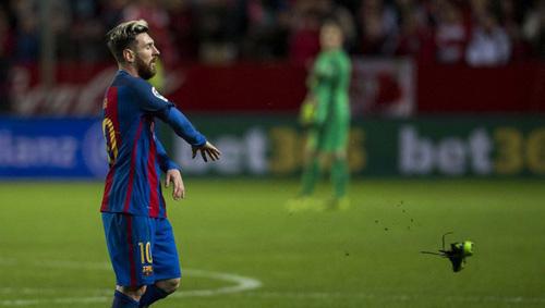 Barca: Messi cán mốc 500 bàn, xứng đoạt mọi QBV - 2