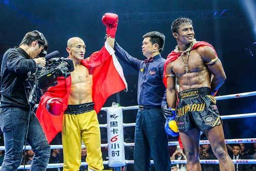 """Báo Thái, Trung Quốc: Yilong thắng """"bẩn"""", Buakaw bị """"dính đòn"""" - 5"""