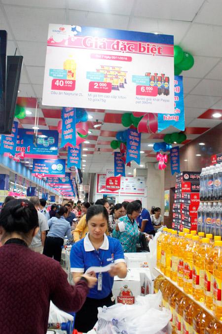 Siêu thị Co.opmart giảm giá mạnh liên tục 3 tuần để tri ân khách hàng - 1