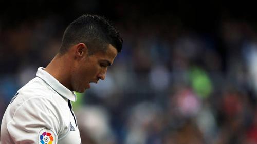 Real Madrid: Ronaldo hợp đồng mới, phong độ cũ - 1
