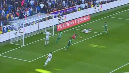 Real Madrid: Ronaldo hợp đồng mới, phong độ cũ - 2