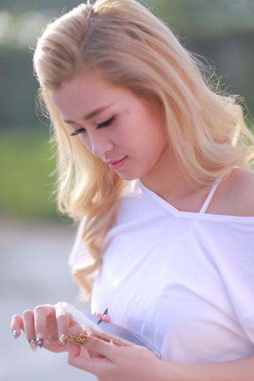 Top 4 kiều nữ Việt nhuộm màu tóc nào cũng đẹp mê hồn - 3