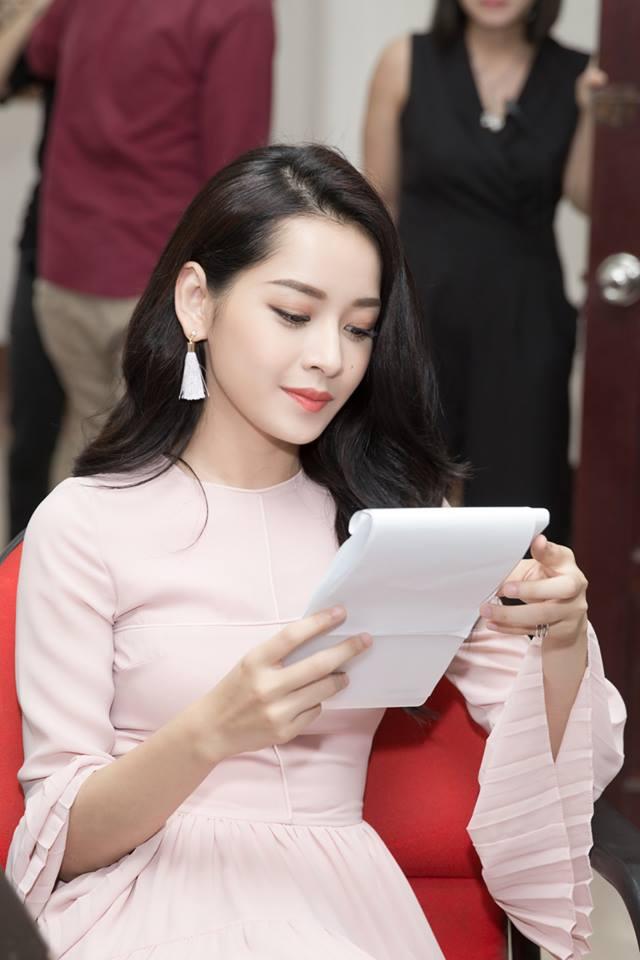 Top 4 kiều nữ Việt nhuộm màu tóc nào cũng đẹp mê hồn - 12