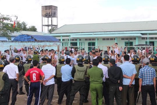 Vụ vỡ trại cai nghiện: Bộ trưởng vào Đồng Nai họp khẩn - 1