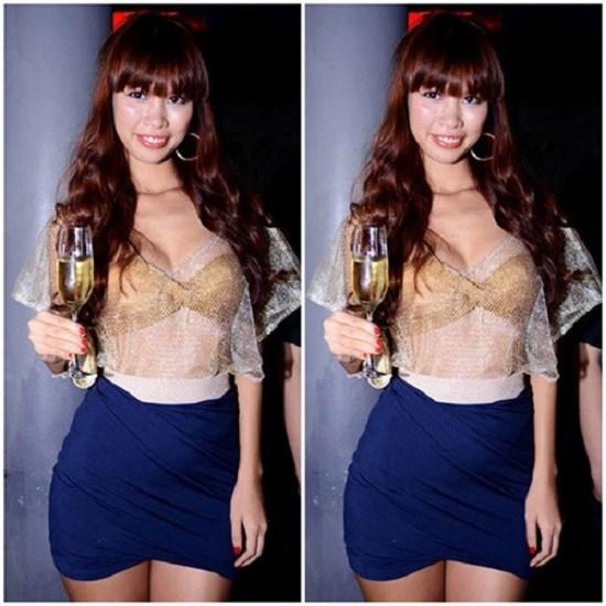 Mỹ nhân Việt sexy cực độ khi diện áo ngực ra đường - 4