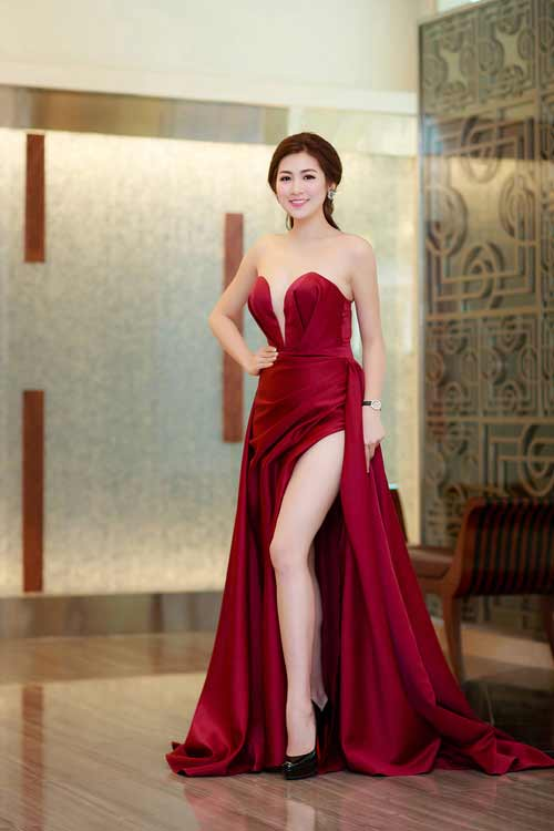 """""""Thót tim"""" vì váy xẻ hông cao táo bạo của mỹ nhân Việt - 6"""