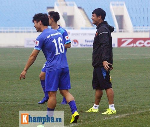 """Đội tuyển Việt Nam: Hữu Thắng """"đọ tài"""" đá 11m với học trò - 2"""