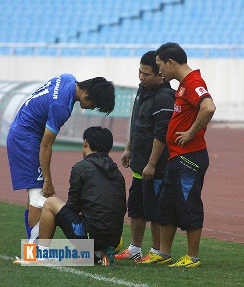 """Đội tuyển Việt Nam: Hữu Thắng """"đọ tài"""" đá 11m với học trò - 3"""
