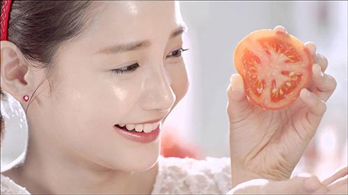 Tự chế mặt nạ cà chua làm da sáng và mịn không tì vết - 1