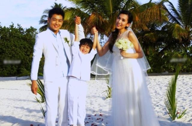 """Cuộc sống """"sướng như tiên"""" của vợ Lâm Chí Dĩnh - 4"""