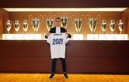 Ronaldo ký hợp đồng mới với Real, 1 bàn đủ mua biệt thự - 2
