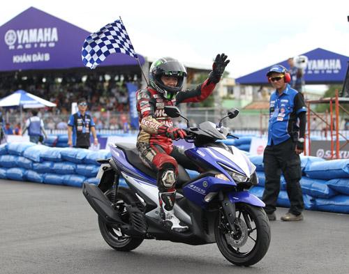 """Kịch tính đến ngẹt thở với giải đua xe """"Yamaha GP Racing"""" - 6"""