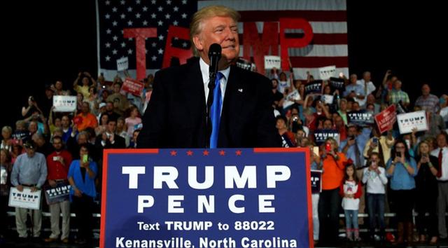 Việc kinh doanh của Donald Trump bị ảnh hưởng lớn - 1