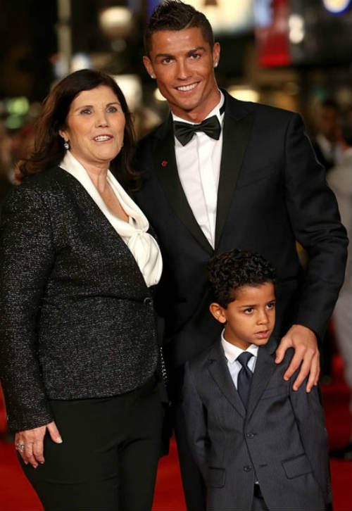 """Những """"nghề"""" mới cực hot của Ronaldo, chân sút tỷ đô - 4"""