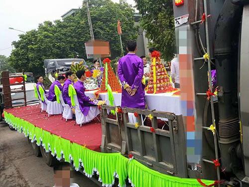 """Tiết lộ về đám hỏi cưỡi xe phọc ở Vĩnh Phúc đang """"gây bão"""" - 5"""