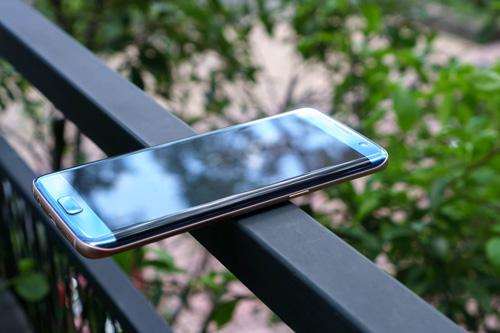 Galaxy S7 edge Xanh Coral - Vẻ đẹp từ sự an nhiên - 3