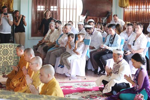Độc đáo lễ Hằng Thuận ở chùa Vĩnh Nghiêm của cặp đôi Pháp – Việt - 4