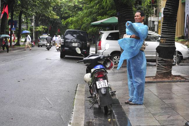 Đêm nay, Hà Nội mưa rét 15 độ C - 1