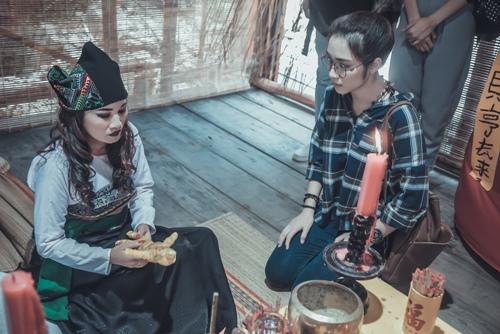 """Choáng với hình ảnh """"cô gái trăm triệu"""" Lê Thị Dần trong phim kinh dị - 3"""