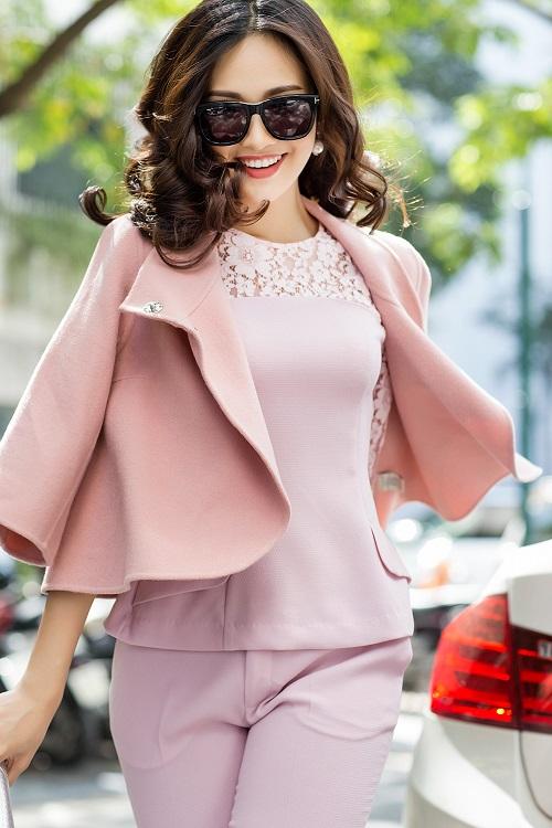 Mỹ nữ có làn da đẹp nhất Hoa hậu Việt Nam hút hồn trên phố - 10