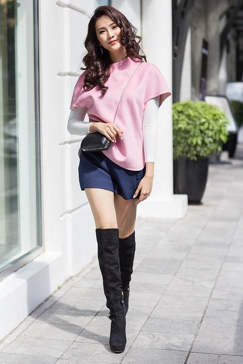 Mỹ nữ có làn da đẹp nhất Hoa hậu Việt Nam hút hồn trên phố - 11