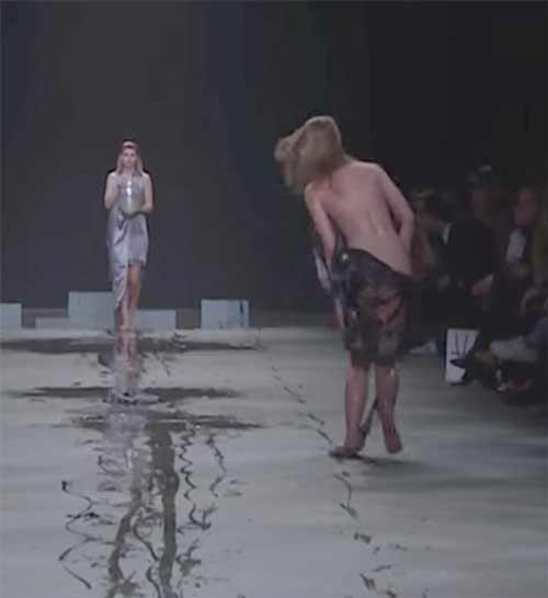 Show diễn lạ, áo quần tự bốc hơi khỏi cơ thể người mẫu - 4