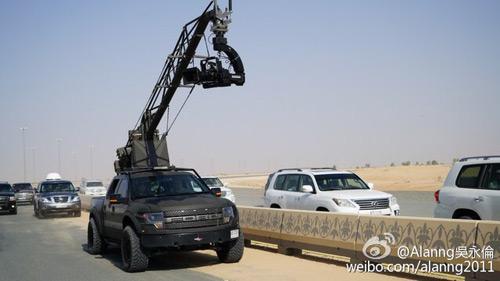 Ê kíp phim Thành Long phá nát siêu xe của hoàng tử Dubai - 6