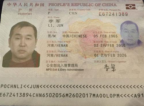 Bắt quả tang khách TQ ăn cắp trên chuyến bay TP HCM-Hà Nội - 2