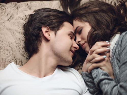 """4 lý do các cặp vợ chồng thích """"yêu"""" về đêm - 1"""