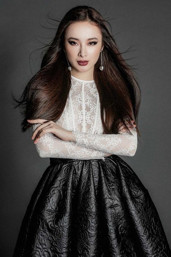 Angela Phương Trinh khoe body nuột nà với đầm ren mỏng manh - 2