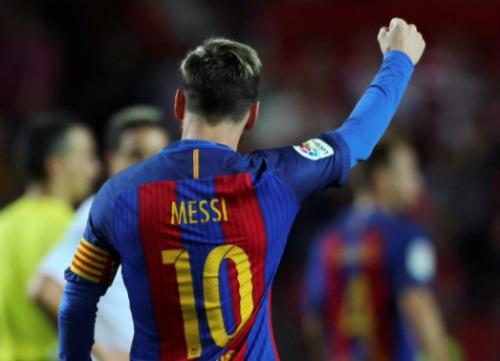 Ủng hộ Messi giành QBV, fan tung ra ngàn lý do - 1