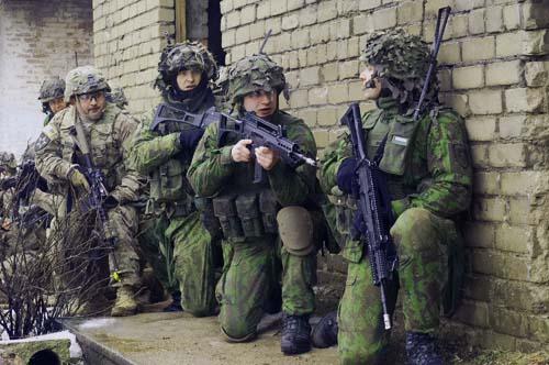 """Báo Mỹ: 8 nước châu Âu """"chuẩn bị chiến tranh"""" với Nga - 5"""